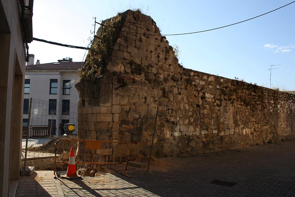 """Restauración del """"Portal Chiquito"""" en las murallas de Salvatierra-Agurain Álava"""